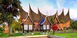 Indonesien reisen bali reisen mit der bct touristik for Traditionelles haus bali